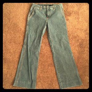 Blue jeans, Perry Ellis.